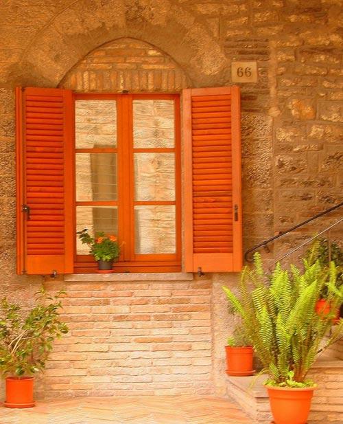Окна в домах Италии