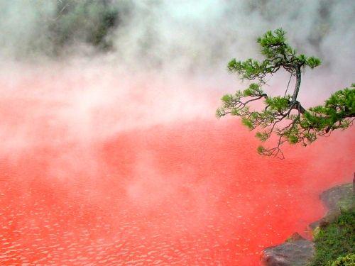 Удивительные водоёмы планеты