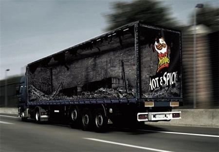 16 грузовиков с креативной рекламой
