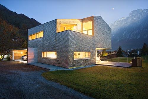 House Haller – деревянный дом у подножья гор