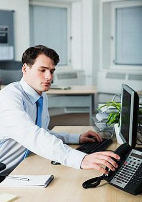 Какие опасности для здоровья подстерегают вас в офисе