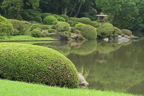 13 самых удивительных садов в мире