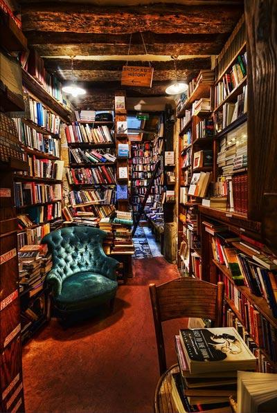 20 самых красивых книжных магазинов в мире