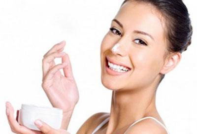 Что такое косметика: уход за кожей или просто маска