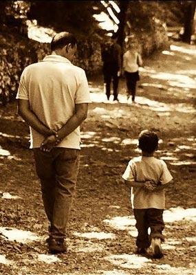 Кого воспитывают родители?
