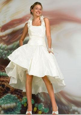 Короткое свадебное платье - скромно и изящно