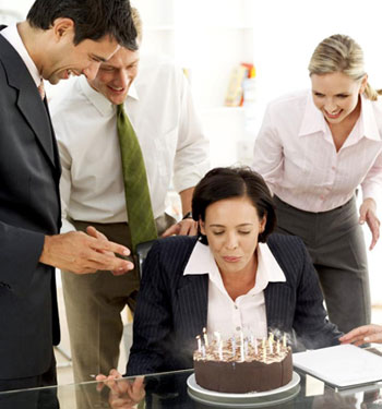 Празднование дня рождения в коллективе