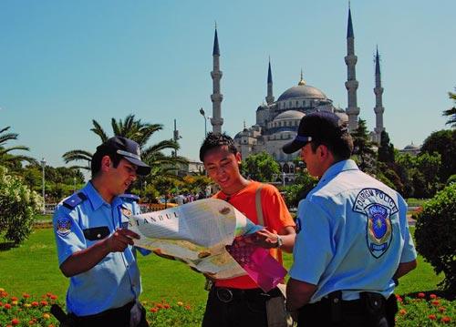 Туристическая полиция разных стран (фото)